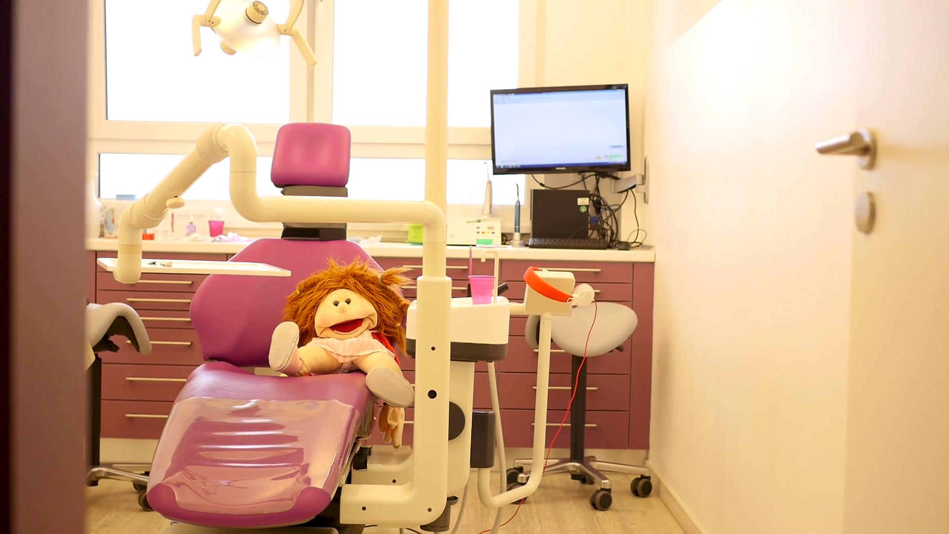 Behandlungsraum Zahnwelt Vier Linden