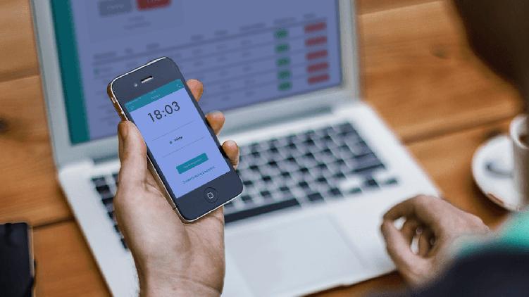 Der Mitarbeitermodus der Papershift Stempeluhr-App zur Arbeitszeiterfassung