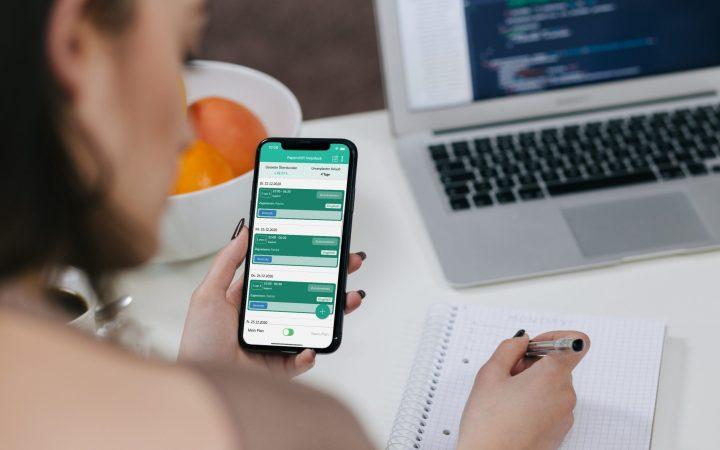 Mit der Plan App behätst Du auch unterwegs den Überblick über Deinen Dienstplan