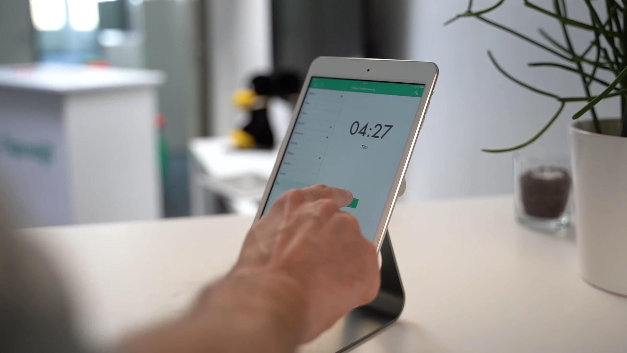 Digitale Zeiterfassung via statioärem Tablet