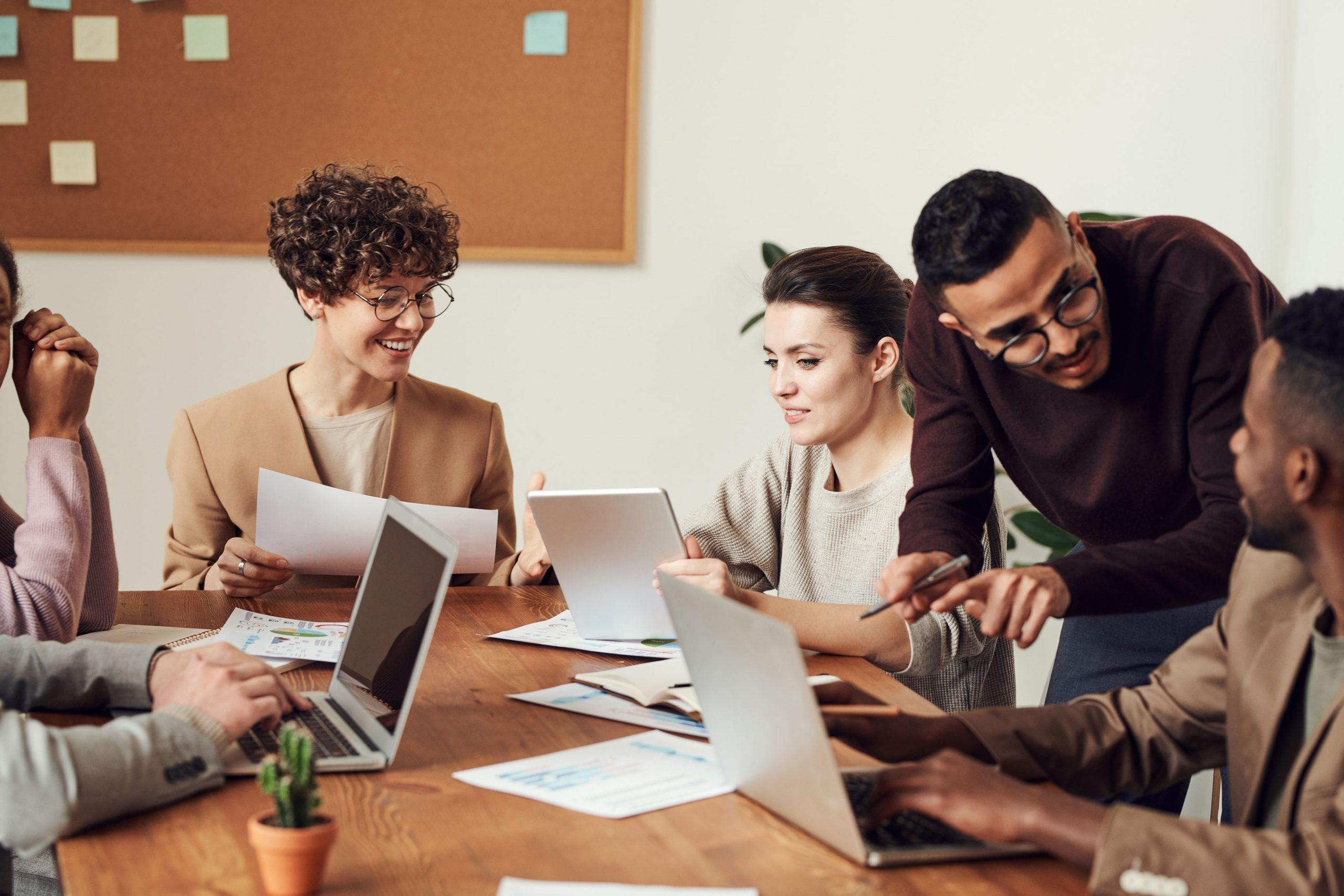 Mitarbeiterzufriedenheit messen: So hilft der Einsatz einer Zeiterfassung